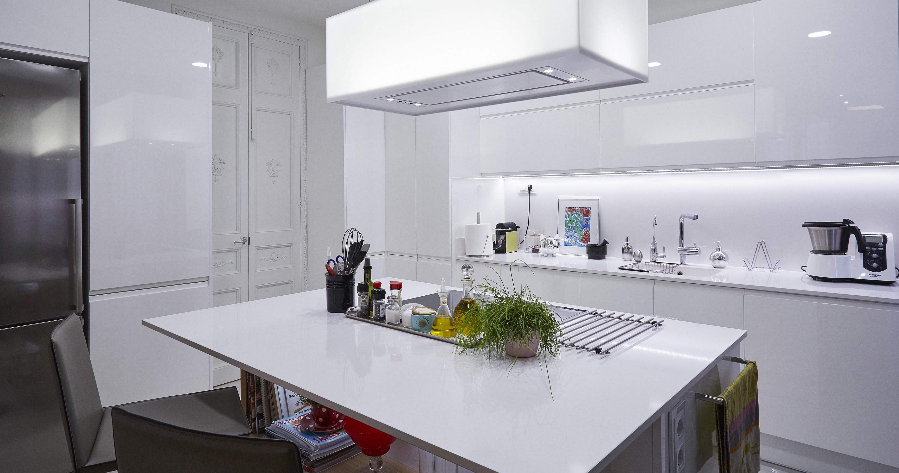 Recomendaciones y consejos generales para la limpieza y mantenimiento de tus muebles de cocina